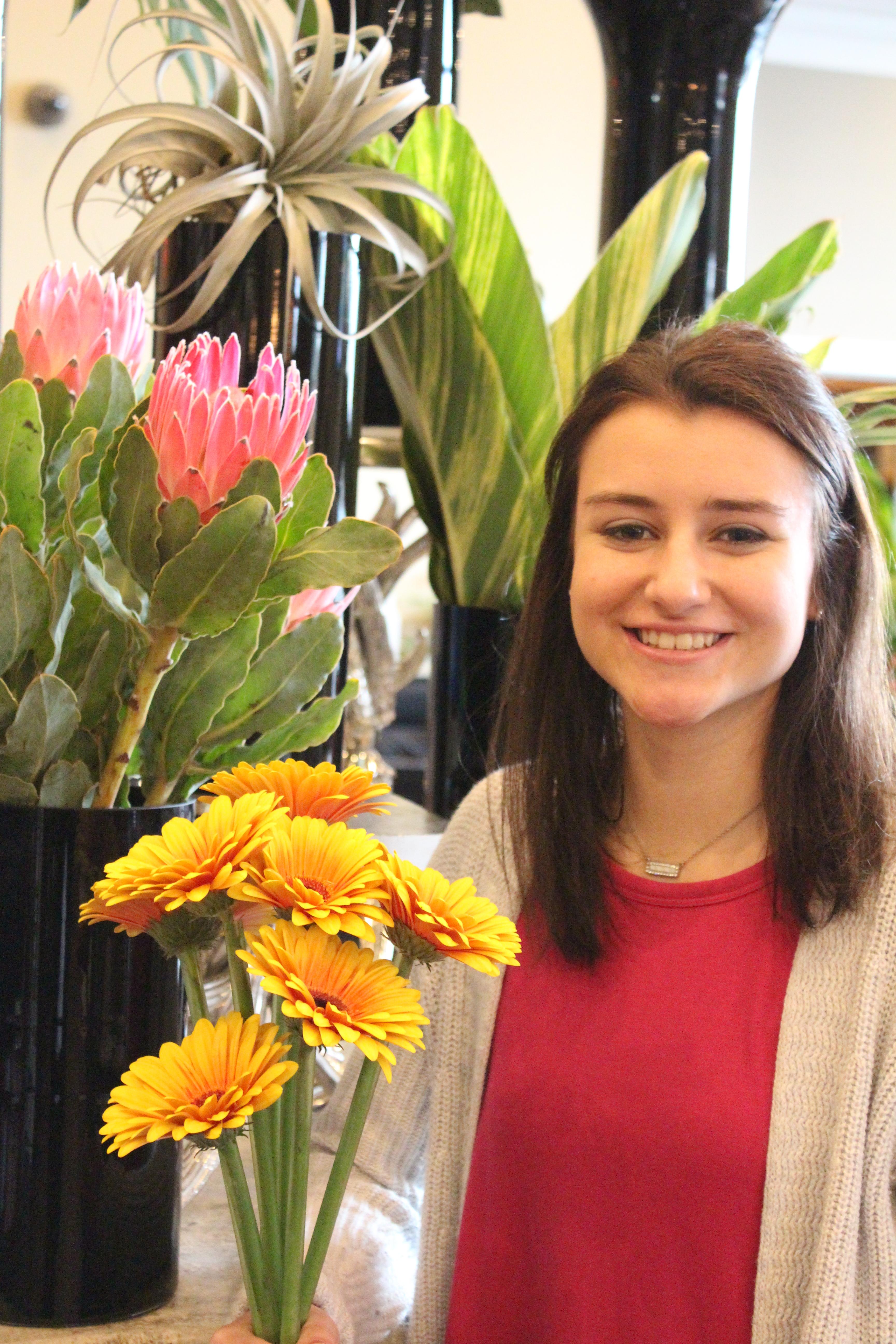 Megan : Customer Service / Designer-In-Training
